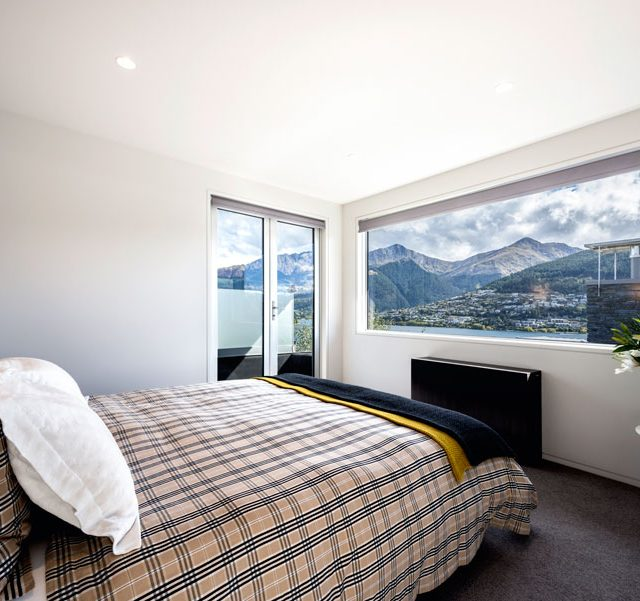 https://www.shimmerlake.co.nz/wp-content/uploads/2017/02/gallery-top-floor-3-640x601.jpg
