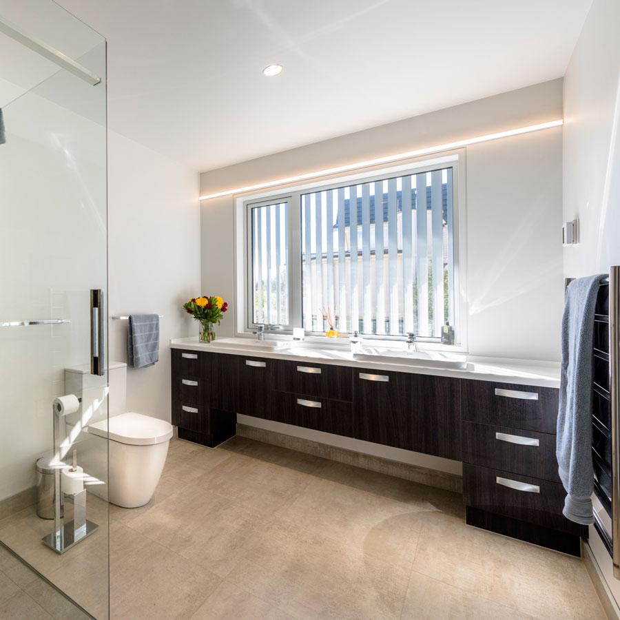 Shared Bathroom (Middle Floor) - Shimmerlake - Luxury Private ...